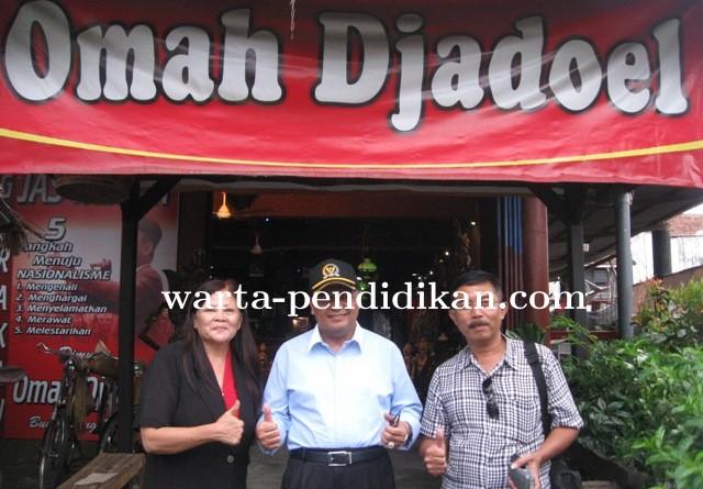 Wisata Budaya Omah Djadoel Indonesia Kota Blitar